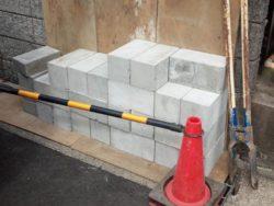コンクリート杭の搬入
