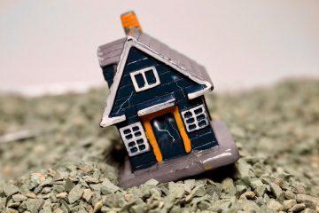 家の傾きを放置するとどうなる!?不同沈下が建物や体に及ぼす影響とは