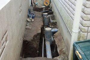 地盤沈下すると配管が詰まる?排水の逆勾配は被害甚大!